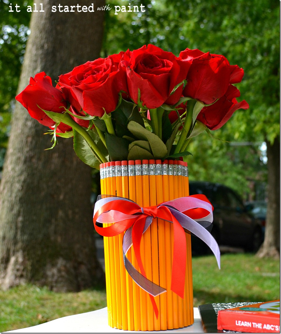 pencil-vase-made-with-number-two-pencils